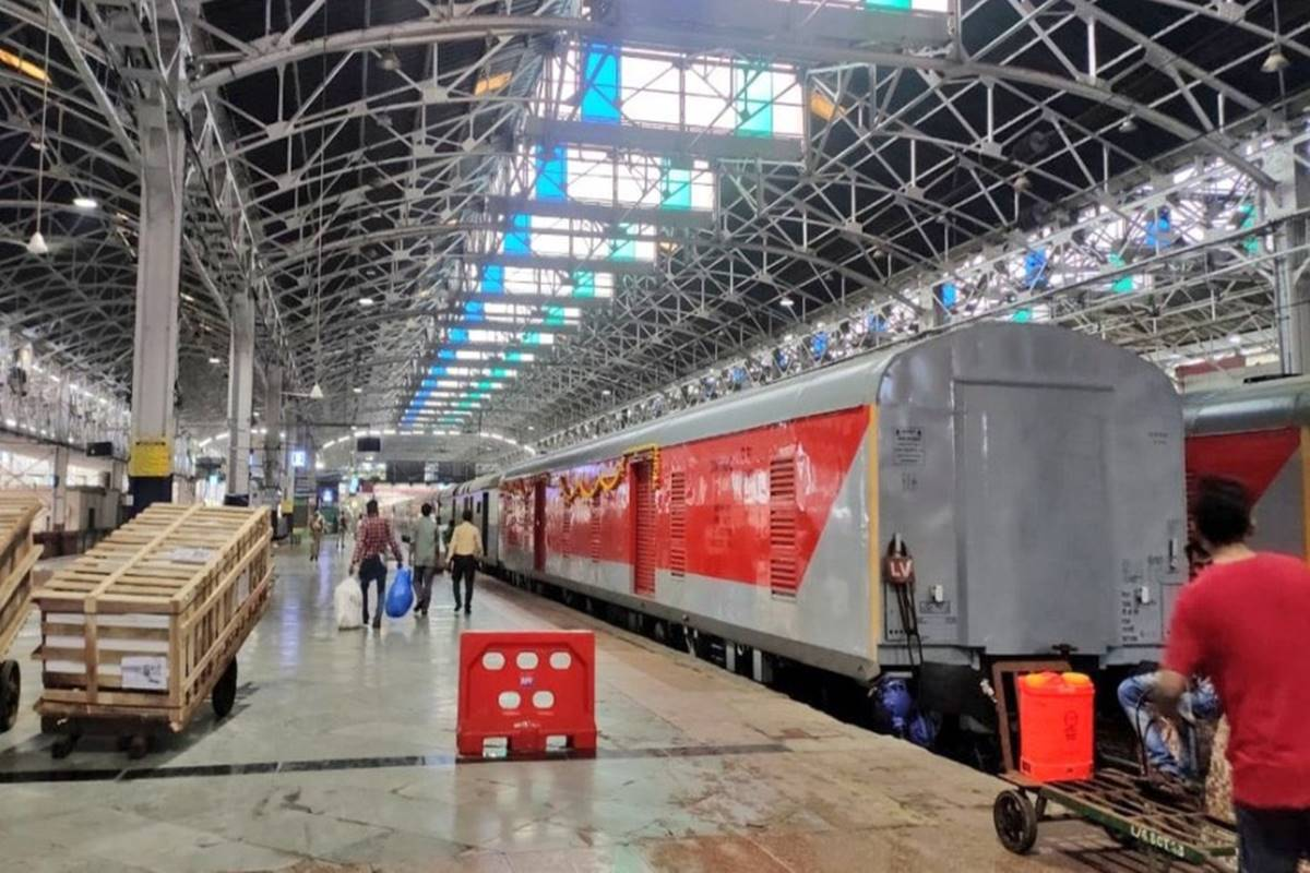 Move it like Indian Railways! In a first Mumbai Central-New Delhi Special Rajdhani runs with loaded Parcel Van