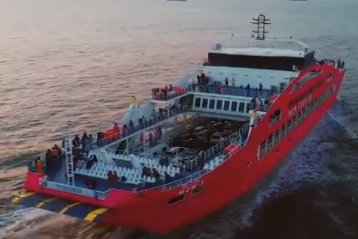 Distance between Bhavnagar and Surat to reduce by 300 km! PM Modi to launch 'Ropax' ferry services; Details