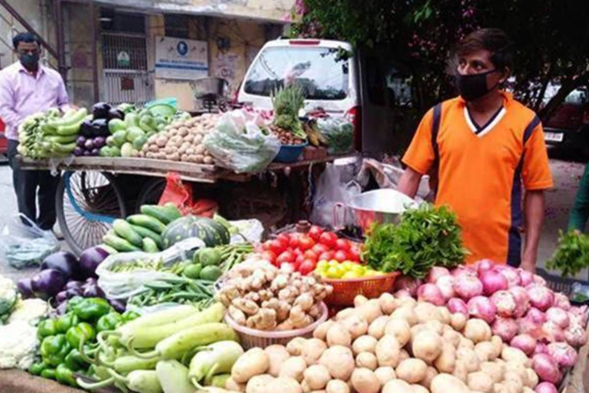 Factory output grows for first time in 7 months; retail inflation gives jolt due to skyhigh food prices