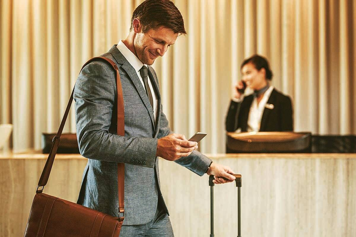 The cost of a review — Should one refrain from negatively reviewing a hotel?