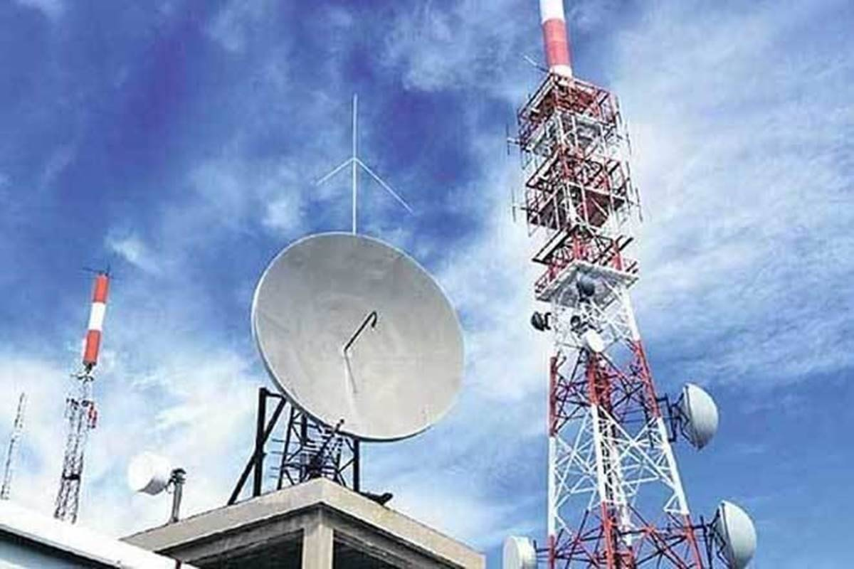 Competing telcos put tariff hikes in abeyance