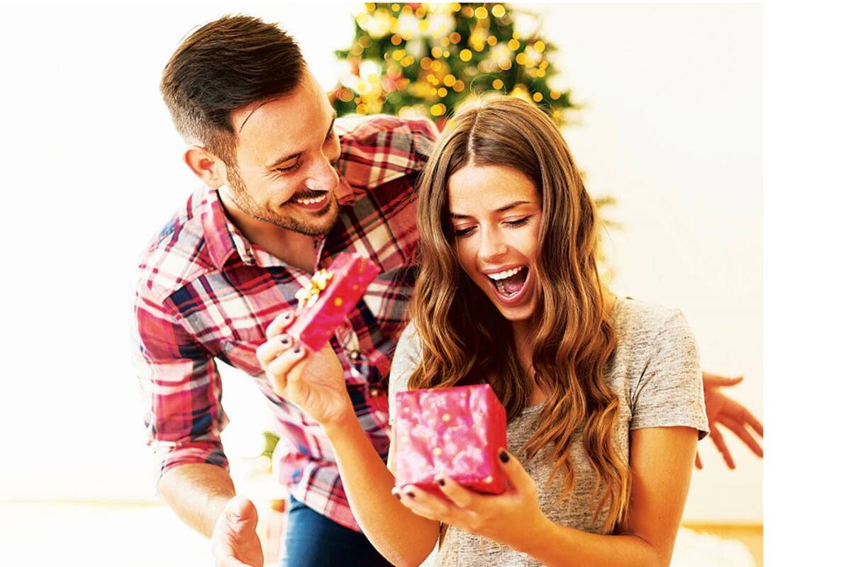Hire a guitarist on video call! Yes, tis the season of digital gifting!