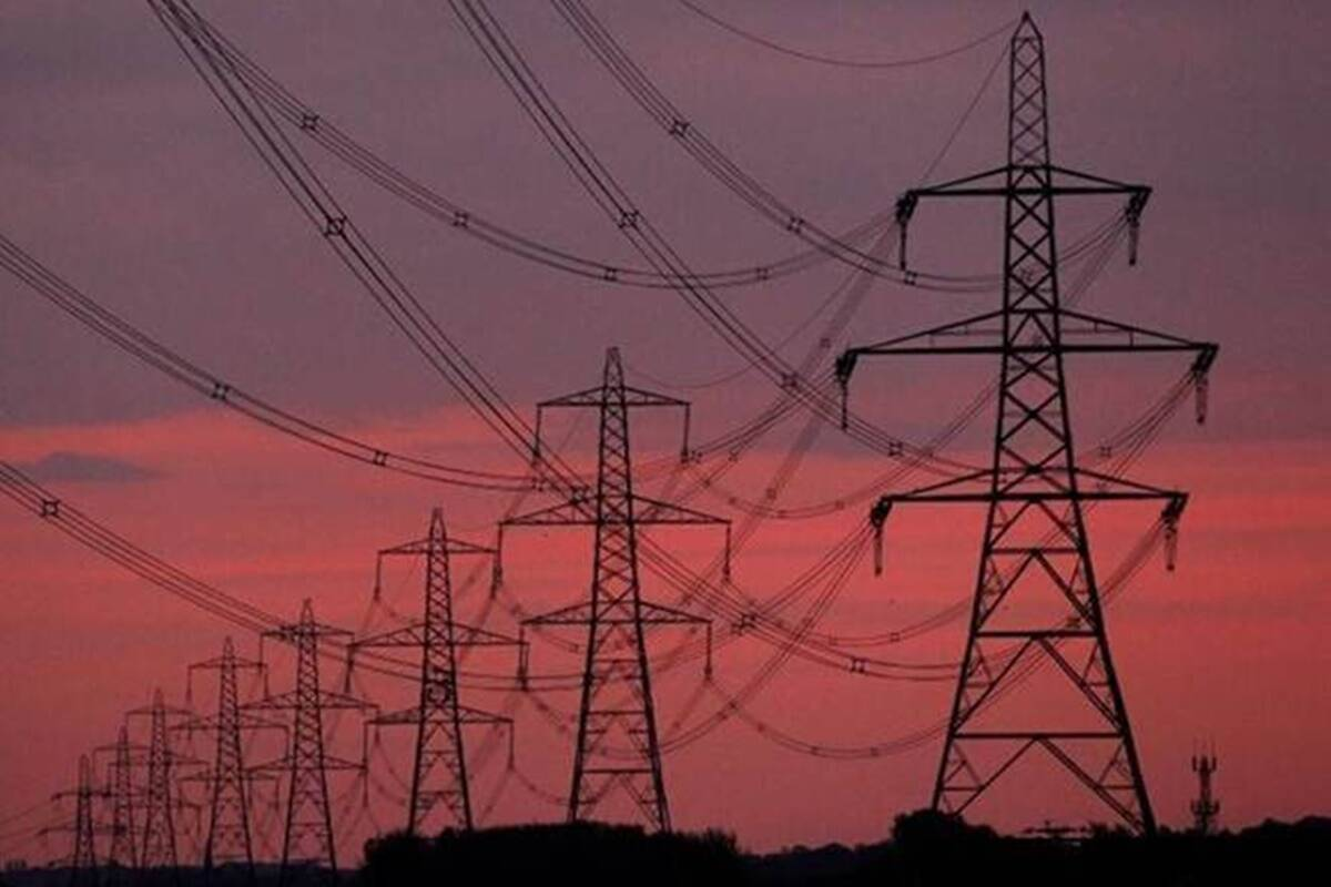 New rules to compensate consumers for power cuts and defective meters