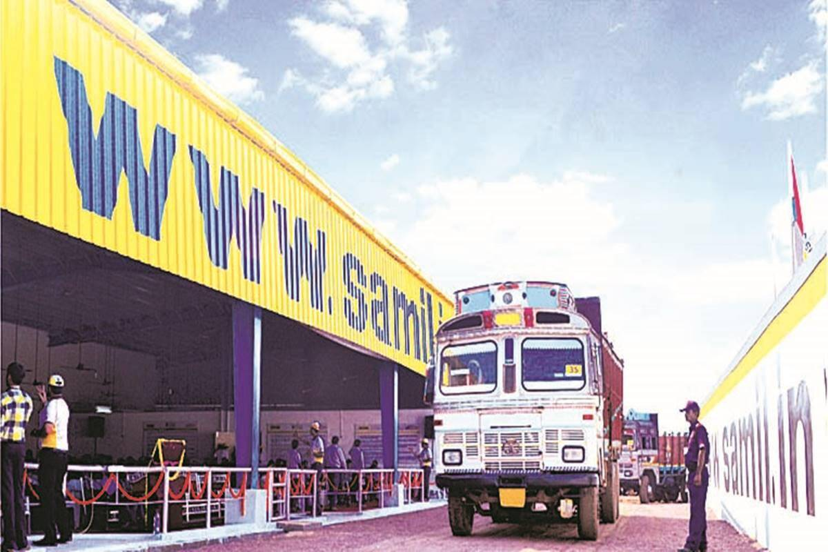 Shriram Transport Finance Corporation Rating: hold Improvement in core business continues