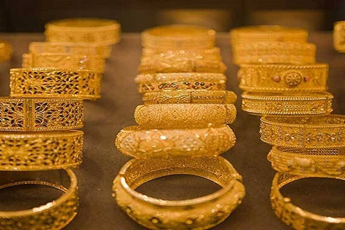 Gold prices surge today as yellow metal hit 8-week high internationally; silver jumps over 2%