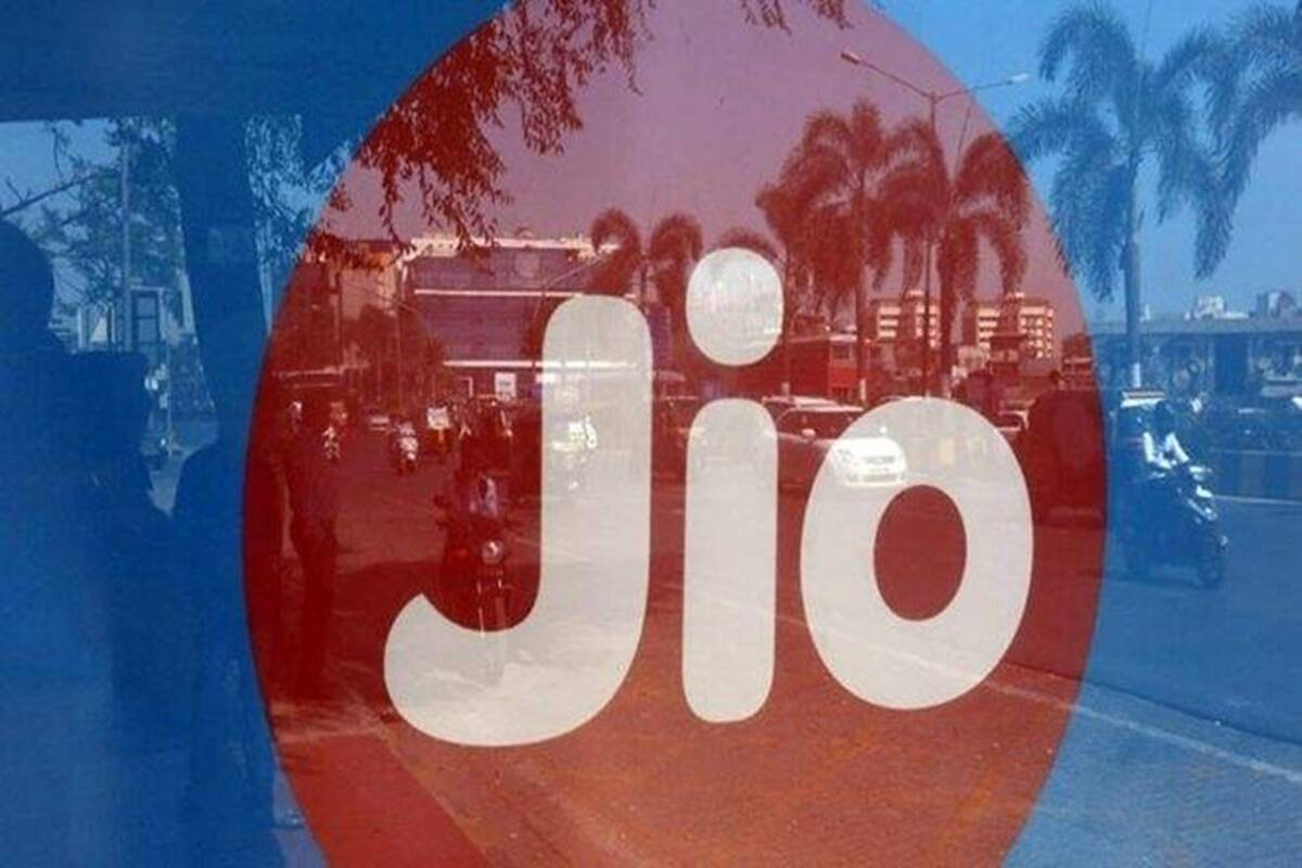 Reliance Jio rolls out Rs 3,499 annual recharge plan with 3GB daily data, other benefits: Check details