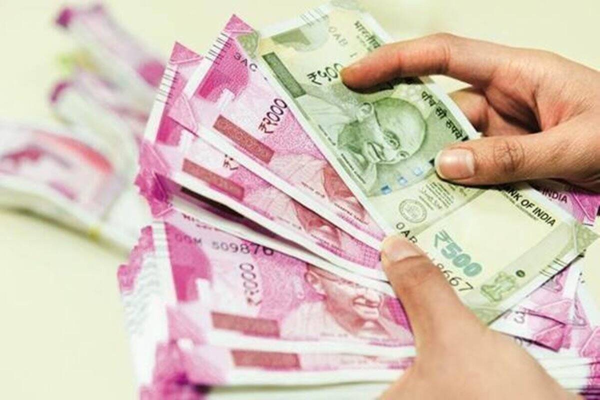 Falling short of money? Here are 5 ways to arrange funds at low cost